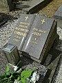 Hrob profesora Čeňka Strouhala na hřbitově v Seči.jpg