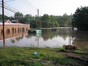 Mid-Atlantic United States flood of 2006 - Swatara Creek inundates the United Water Plant and the Duke Street Bridge in Hummelstown, PA