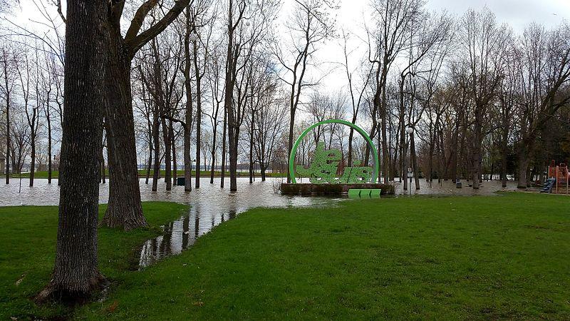 File:Inondations 2017, Parc de la Maison-Valois.jpg