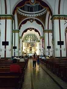 Interior de la Basílica del Señor de los Milagros en Buga, Valle..JPG