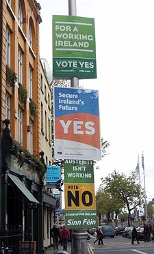 http://upload.wikimedia.org/wikipedia/commons/thumb/1/1f/Irish_Fiscal_Compact_referendum_posters.jpg/225px-Irish_Fiscal_Compact_referendum_posters.jpg