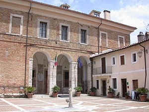 Mentana - Inner square of the castle in Mentana.