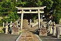 Izuhara-hachimangu-jinja, torii-2.jpg