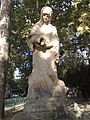 Izvorul Sissi - Statuia.jpg
