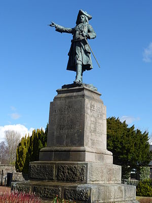 26th (Cameronian) Regiment of Foot - Statue of James, Earl of Angus on the Cameronian Memorial at Douglas