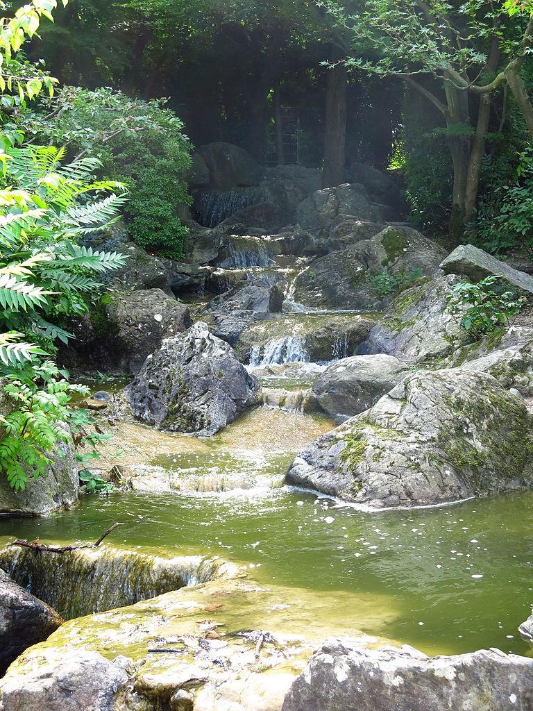 file:japanischer-garten-wasserfall-02 - wikimedia commons, Garten ideen
