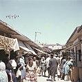 Jeruzalem Een druk bezocht marktstraatje in de stad, Bestanddeelnr 255-9376.jpg