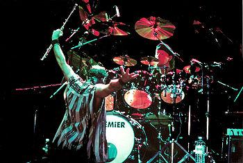 Jethro Tull en un concierto en Nápoles, en 1998.