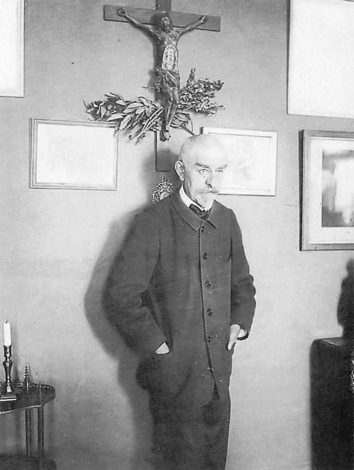 Joris-Karl Huysmans photographed by Dornac
