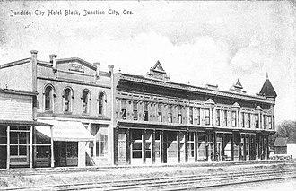Junction City, Oregon - Junction City hotel block in 1908