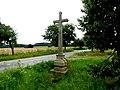 Kříž na křižovatce cest jižně od Kaliště (Q104975564).jpg