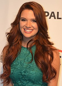 The 24-year old daughter of father (?) and mother(?), 157 cm tall Katie Stevens in 2017 photo