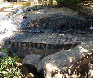 Kbal Spean - Image: Kbal Spean, sur les pentes sud ouest du mont Kulen (12)