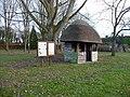 Kimpton - Thatched Bus Shelter - geograph.org.uk - 1104180.jpg