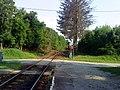 Kistótfalusi vasúti átjáró vonattal.JPG