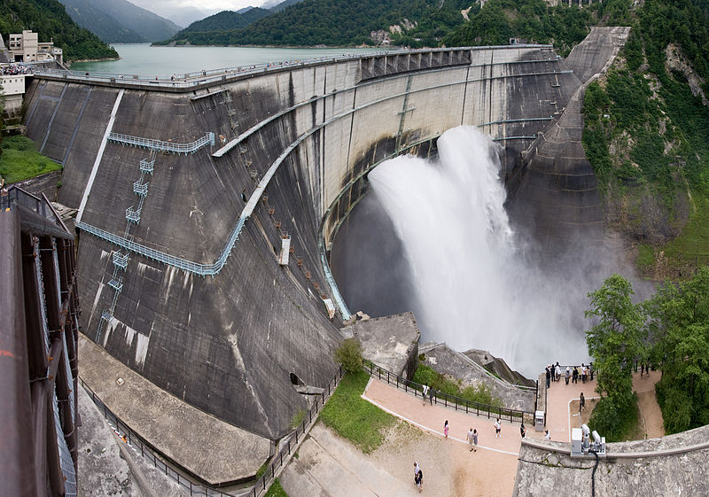 the kurobe dam the tallest dam The tallest dam in japan is the 186 m (610 ft) high kurobe dam the largest dam by structural volume in the country is the tokuyama dam with 13,700,000 m 3 (17,900,000 cu yd) of rock-fill tokuyama also creates japan's largest reservoir with a water volume of 660,000,000 m 3 (540,000 acre⋅ft.