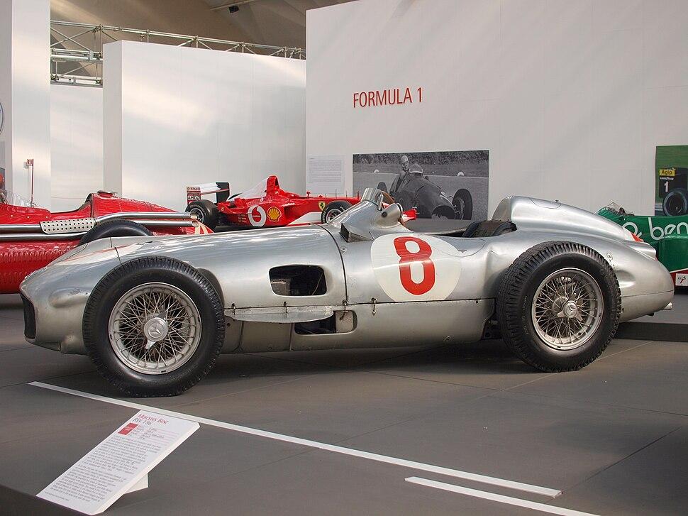 L'evoluzione dell'automobile Mercedes Silver Arrow W196 F-1