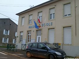 The town hall and school in Laneuveville-en-Saulnois