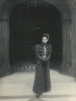 Catherine Courtney, Baroness Courtney of Penwith - Catherine Courtney in 1898, by Sir John Benjamin Stone