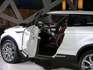 Land Rover LRX - Flickr - The Car Spy (7).jpg