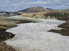 Landmannalaugar-hrafntinnusker-snjor.jpg