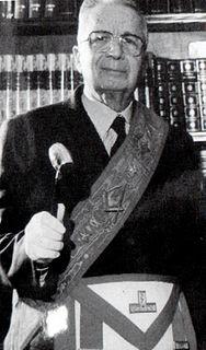 Licio Gelli Italian financier, liaison with Nazi Germany, P2 grandmaster, involved in many scandals