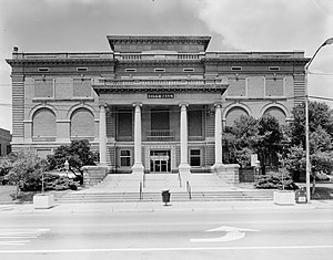 Arkansas Highway 10 - AR 10 runs near the historic Little Rock City Hall.