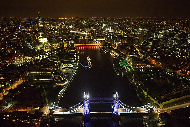 London at Night - Wikipedia