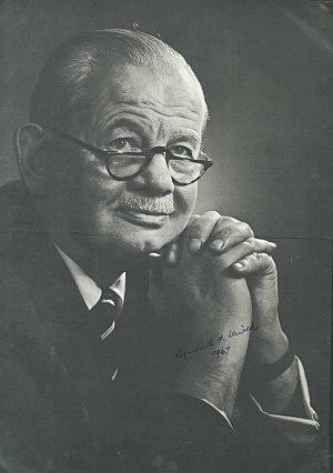 Lyndall Urwick - Lyndall F. Urwick (1891-1983)