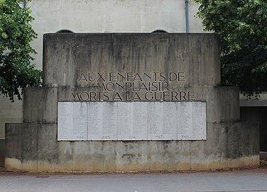Lyon 08 - Aux enfants de Monplaisir morts a la guerre.jpg