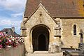 Mézidon-Canon église Saint-Pierre du Breuil porche.JPG