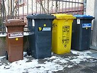 Mülltonnen diverse.JPG
