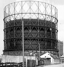 MAN Gasometer Wien.jpg