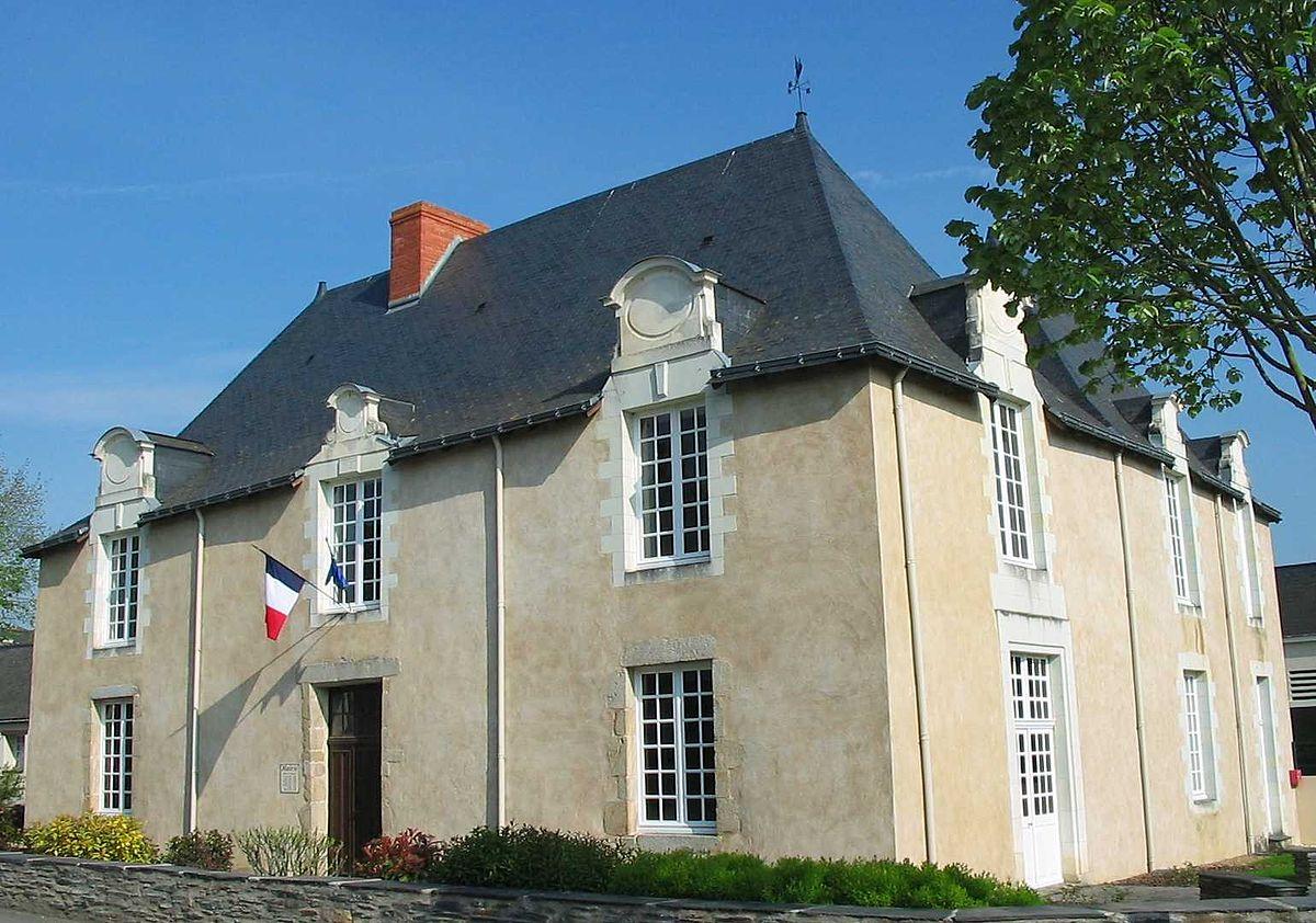 Couleur De Pierre Chalonnes Sur Loire la pouëze — wikipédia