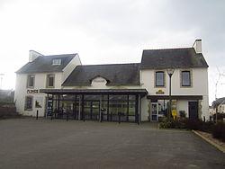 Mairie de Plonéis, Finistère.JPG