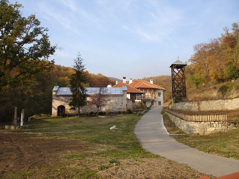 Manastiri Srbije 800px-Manastir_Ajdanovac