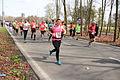 Marathon hardlopers op weg en het weer hielp mee Marathon Rotterdam 2015.jpg