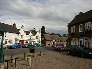 Market Bosworth - Image: Market Bosworth Market Place geograph.org.uk 647715