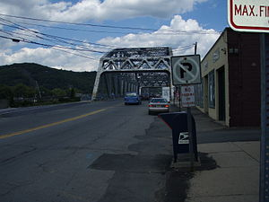 Mid-Delaware Bridge - Bridge seen from US 6 and 209 on the Pennsylvania side