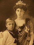 Maud with her only child Olav.jpg