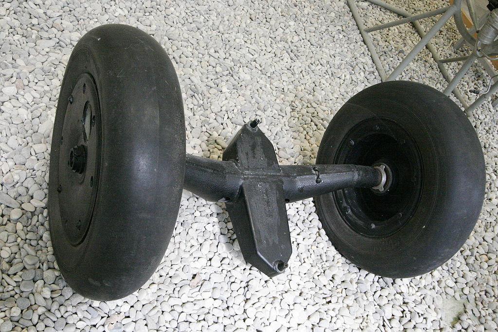 1024px-Me163_Dropping_type_wheel.jpg