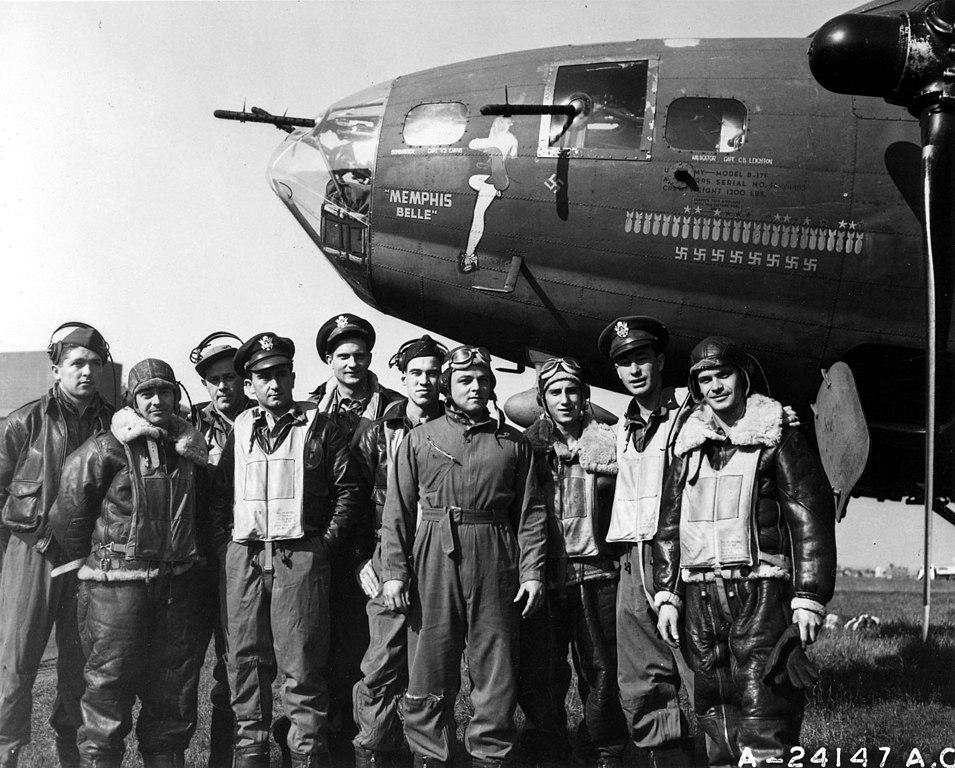 File Memphisbelle Crew Usaf Jpg Wikimedia Commons