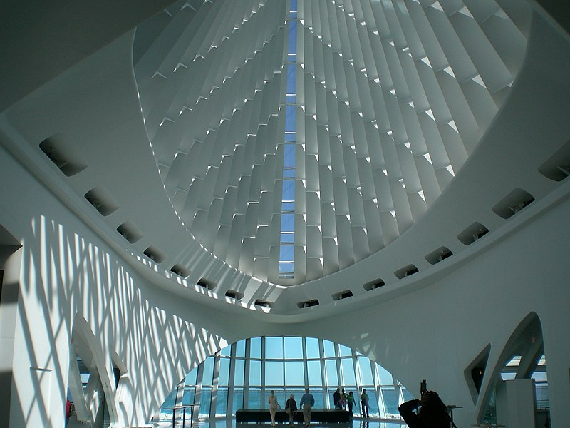 File:MilwaukeeArtMuseum Interior.jpg