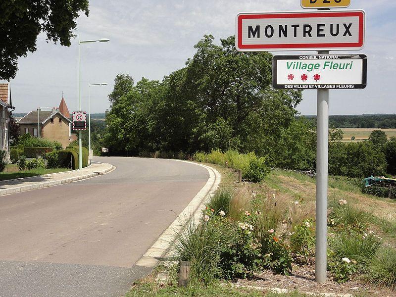 Montreux (M-et-M) city limit sign
