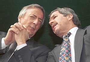 Argentine legislative election, 2005 - President Néstor Kirchner (left) confers with Buenos Aires Province Governor Felipe Solá. Their opposition to powerbroker Eduardo Duhalde dominated the 2005 races.