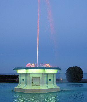 Napier, New Zealand - Napier's Tom Parker Fountain at dusk