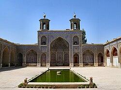 Nasr ol Molk mosque2.jpg