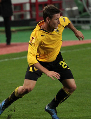 Nathan Burns - Nathan Burns playing for AEK Athens in 2011