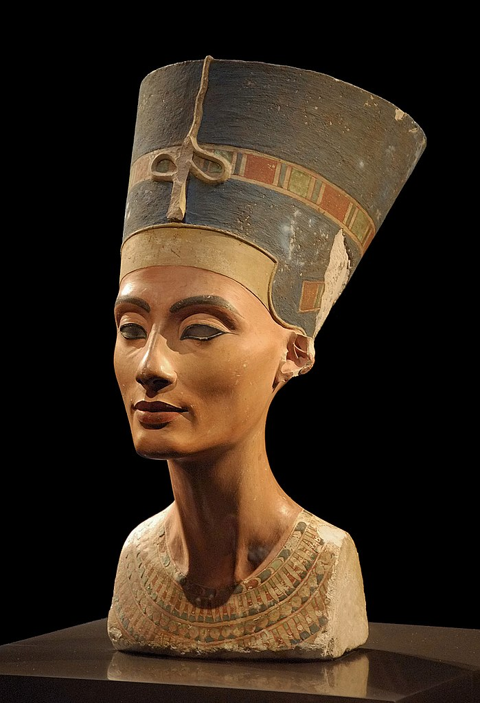 Buste de Néfertiti au Neues museum de Berlin. Photo de Philip Pikart.