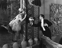 Norma Talmadge en Wallace MacDonald in The Lady